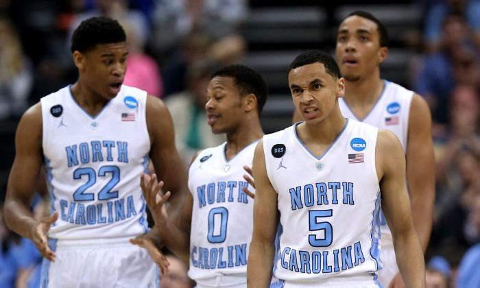Marcus Paige (R) and the North Carolina Tar Heels should have a title-contending team this year. (Mike Ehrmann/Getty Images)