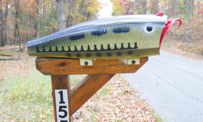 A mailbox at 155 Franke Road in Huguenot on Oct. 22, 2015. (Holly Kellum/Epoch Times)