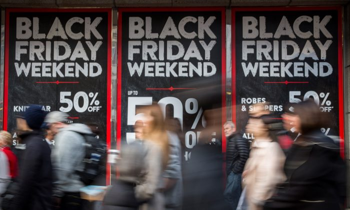 Here's a list of stores' hours for Black Friday and Thanksgiving day, including Walmart, Costco, Target, Macy's, Best Buy, and Toys R Us. (Rob Stothard/Getty Images)