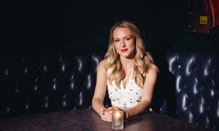 Jewel before she performs at The Mint in Los Angeles on Sept. 16, 2014. (Casey Curry/Invision/AP)