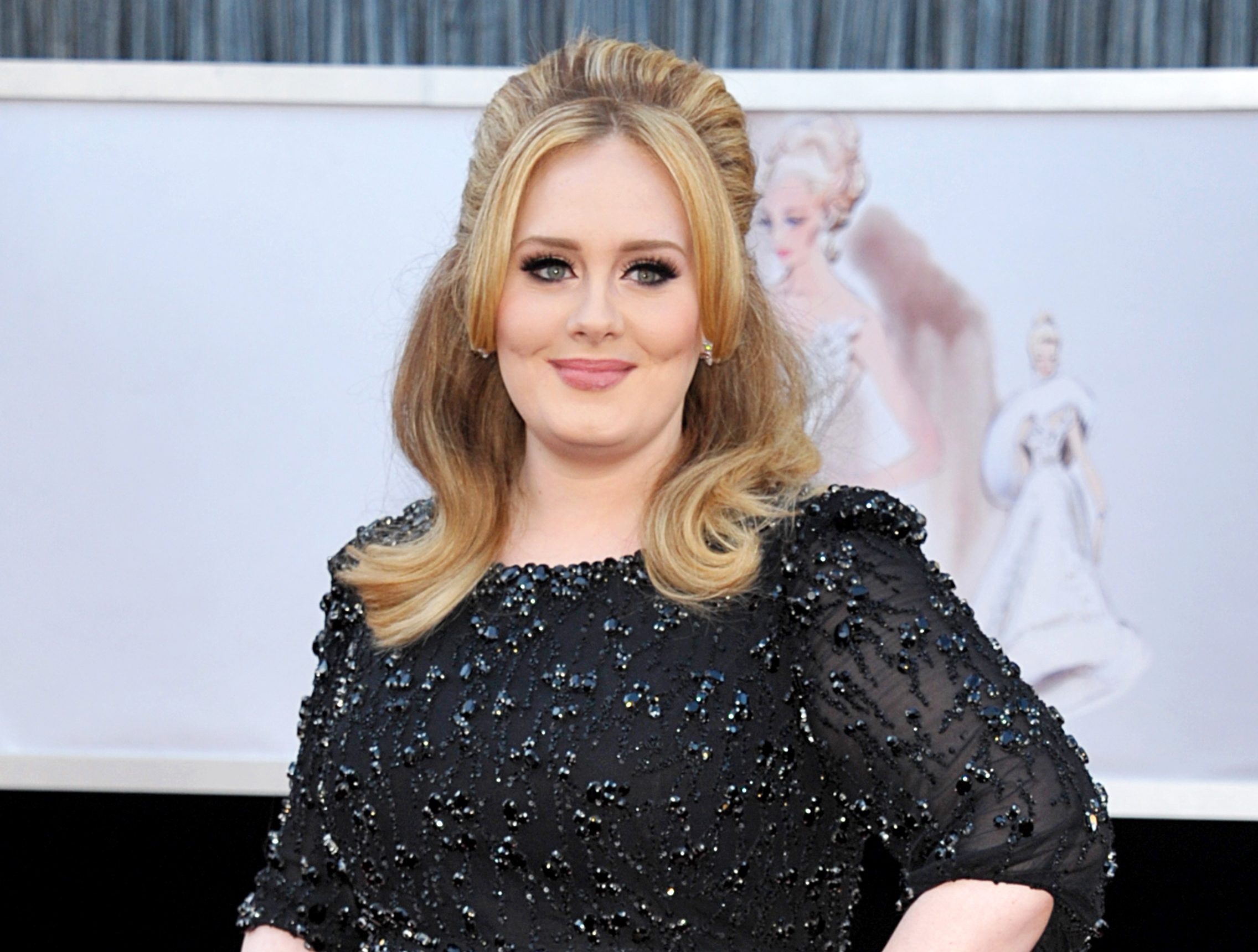 Adele Forgets Lyrics to Her Song 'Million Years Ago' During Concert