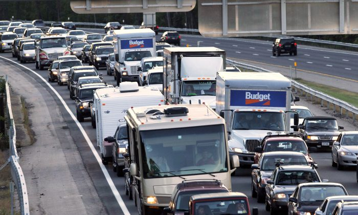 Traffic is backed up on the New York State Thruway in Harriman, N.Y., due to a fatal crash on the northbound side of Interstate 87 in Woodbury on Sept. 18, 2010. (AP Photo/Mike Groll)