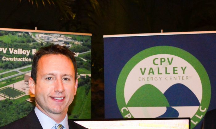 Steve Remillard, vice president of development, CPV Valley Energy Center, at Orange County Partnership's annual event in New Windsor on Dec. 1, 2015. (Yvonne Marcotte/Epoch Times)