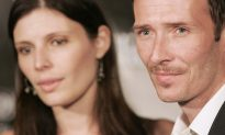 Ex-wife of Scott Weiland Pens Open Letter Asking People Not to Glorify His Tragic Death