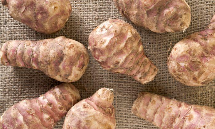 Jerusalem artichoke is a food rich in a special fiber called inulin. (MarkFGD/iStock)