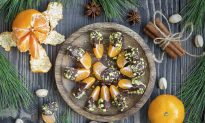 Recipe: Chocolate Dipped Clementine Fruit