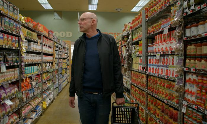 """Michael Pollan educates viewers how to shop the outer perimeter of the supermarket to find real food rather than """"food-like substances."""" (John Chater)"""