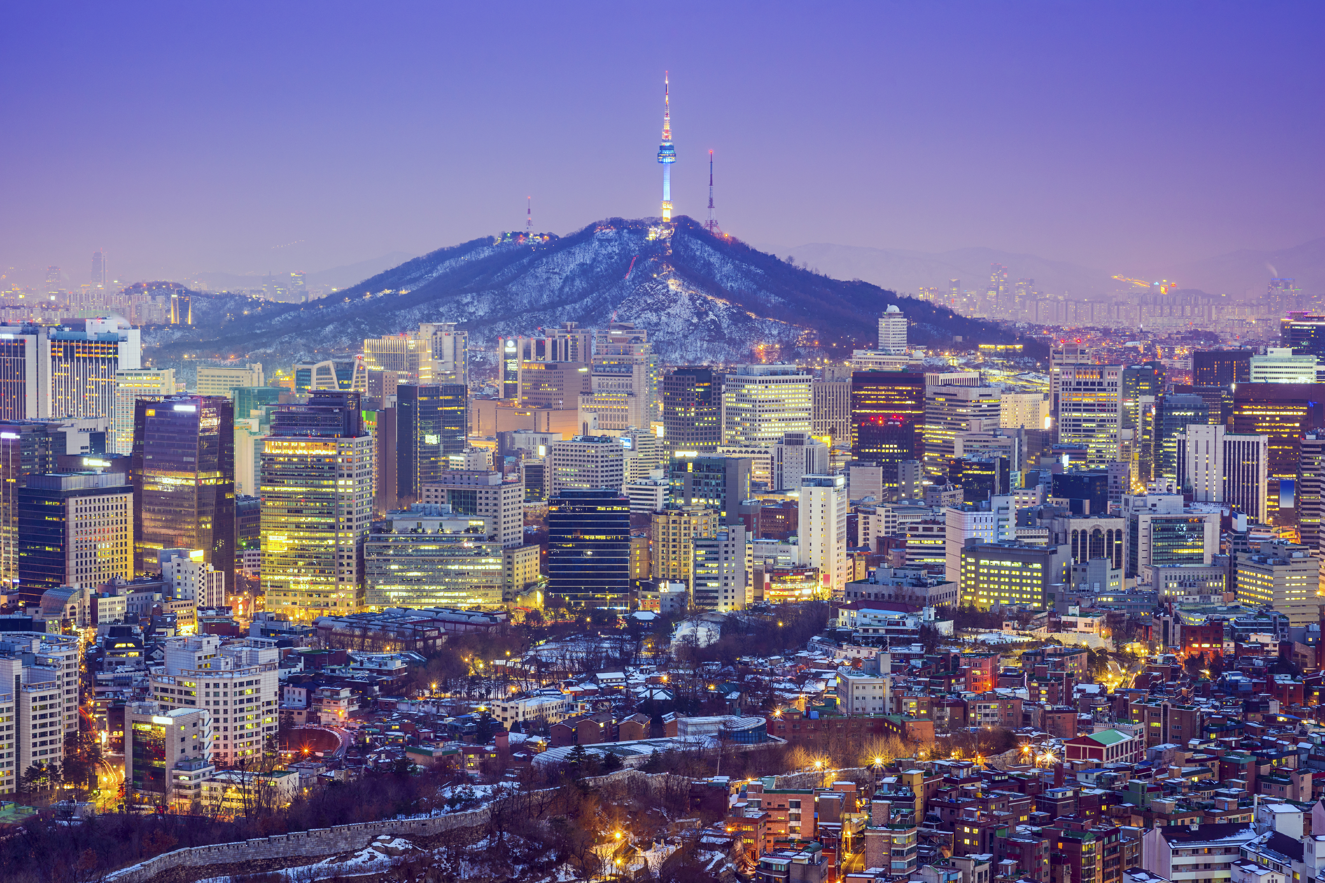 Seoul City skyline at twilight in South Korea. (Sean Pavone/iStock)
