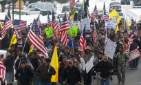 Clive Bundy Sons Lead Armed Group in Occupying Malheur National Wildlife Refuge Building