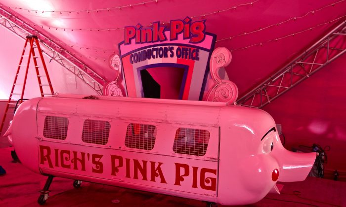 The original Rich's Pink Pig in a tent at Macy's at Lenox Square in Atlanta on Jan. 5, 2016. (Mary Silver/Epoch Times)