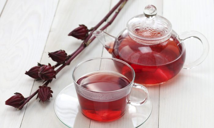 Hibiscus tea is brewed from the plant's calyx, a bud shaped part from where the flower emerges. (bonchan/iStock)
