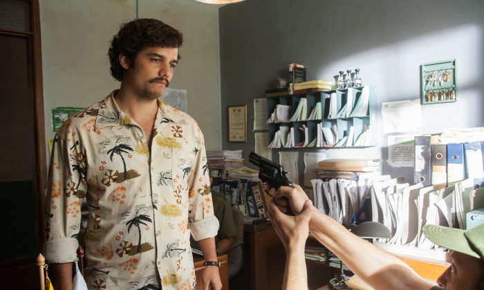 """Actor Wagner Moura as Pablo Escobar in the Netflix Original Series """"Narcos."""" Moura studied Spanish in Medellin, Colombia, to learn the regional accent. (Daniel Daza/Netflix via AP)"""