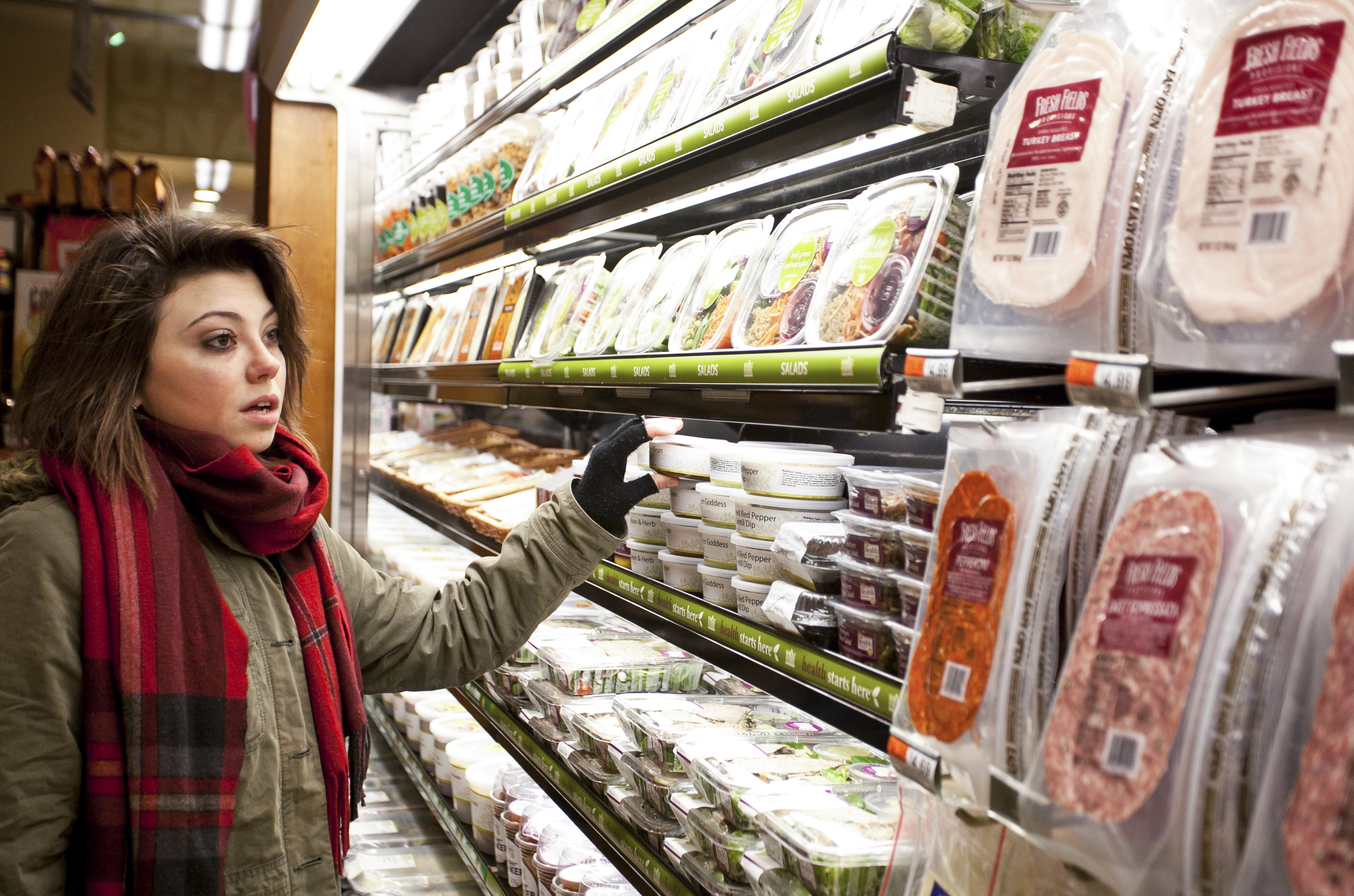 A grocery shopper at a Whole Foods Market in Manhattan, New York City. (Amal Chen/Epoch Times)