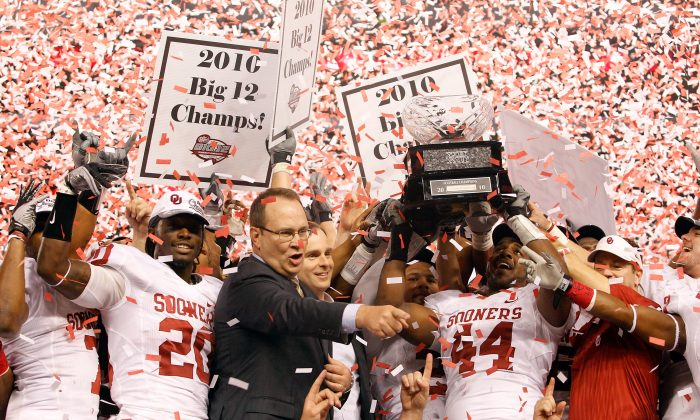 The last time the Big 12 held a title game was in 2010 when Oklahoma beat Nebraska 23–20 in the Cornhuskers final game before moving to the Big Ten. (Tom Pennington/Getty Images)
