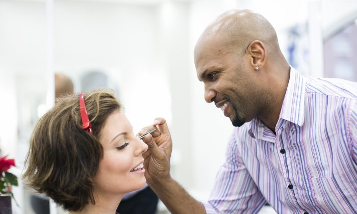 Sibylle Eschapasse gets her make-up done at Federico Salon in Manhattan, New York, on Dec. 21, 2015. (Samira Bouaou/Epoch Times)