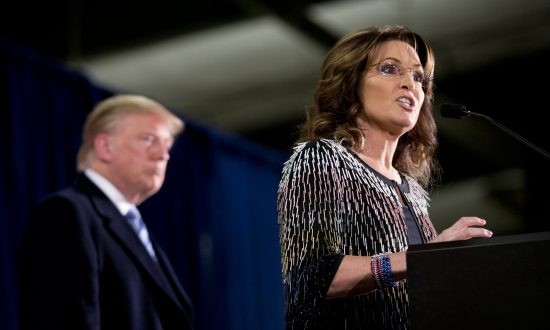 Palin Endorsement Doesn't Carry Trump to Alaska Win
