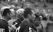 Hall of Fame Quarterback Bart Starr Dies at 85, Says Family