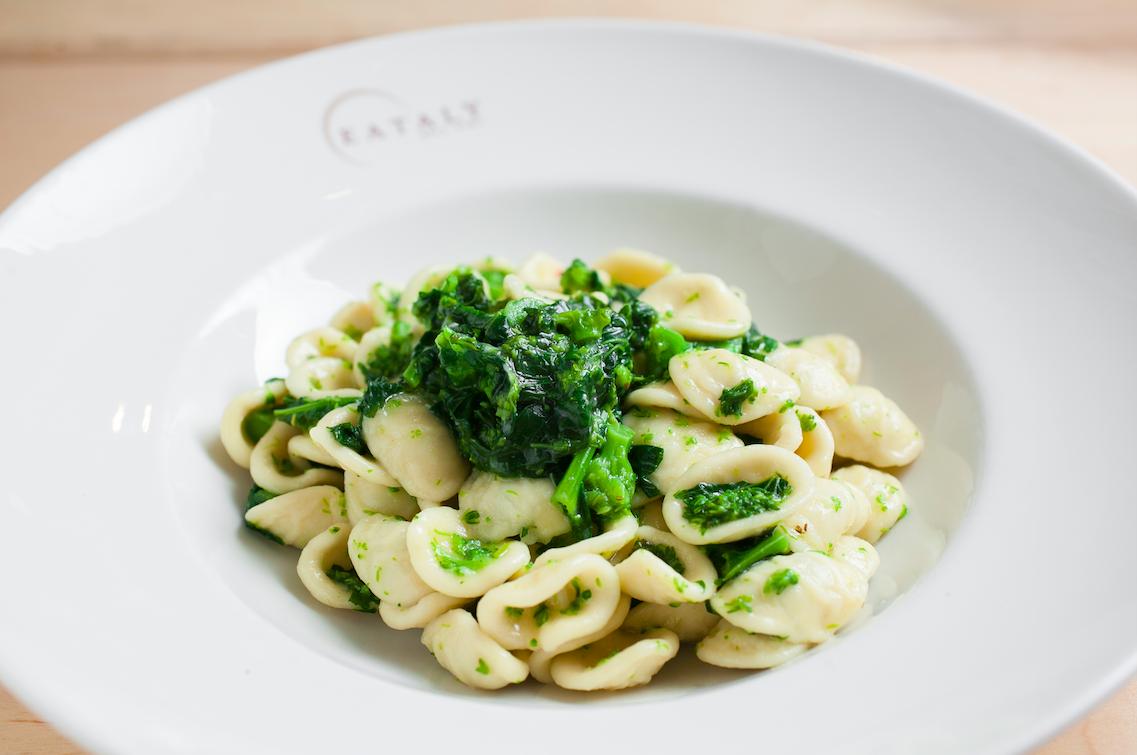 Orecchiette with broccoli rabe. (Samira Bouaou/Epoch Times)