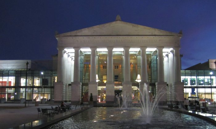 Memorial Auditorium at Duke Energy Center for the Performing Arts. Shen Yun returns to Raleigh, N.C., on Jan. 23 and 24, 2016. (Epoch Times)