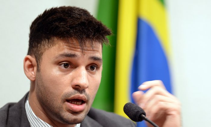 David Miranda testifies before the investigative committee of the Senate that examines charges of espionage by the United States in Brasilia on October 9, 2013, following press reports of US electronic surveillance in Brazil based on leaks from Edward Snowden (EVARISTO SA/AFP/Getty Images)