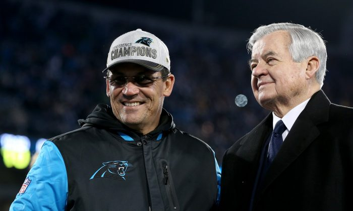 Carolina Panthers Head coach Ron Rivera (L) and owner Jerry Richardson are hoping Cam Newton get the team's first Super Bowl win. (Streeter Lecka/Getty Images)