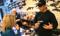 """Watch: Comedian Goes Undercover To Test the """"Gun Show Loophole,"""" Tries to Buy an Automatic Rifle"""