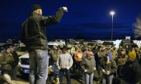 'Leave Us Alone'—People in Oregon Town Tired of Standoff