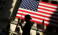 Main Street Holds Up as Wall Street Struggles, for a Change