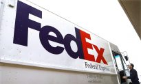 FedEx Falls on 2019 Forecast Cut, Multiple Brokerages Lower Price Target