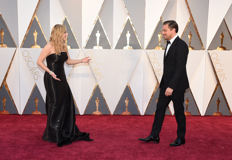 Best Twitter Reactions to Leonardo DiCaprio's Oscar Win