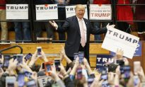 At Donald Trump Rally, Reporter and Secret Service Agent Get Into a Scuffle