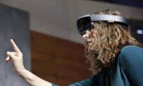 Microsoft HoloLens Headset to Ship to Developers on March 30