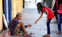 Police Make a Priority of Helping Tampa's Homeless—and Do an Amazing Job