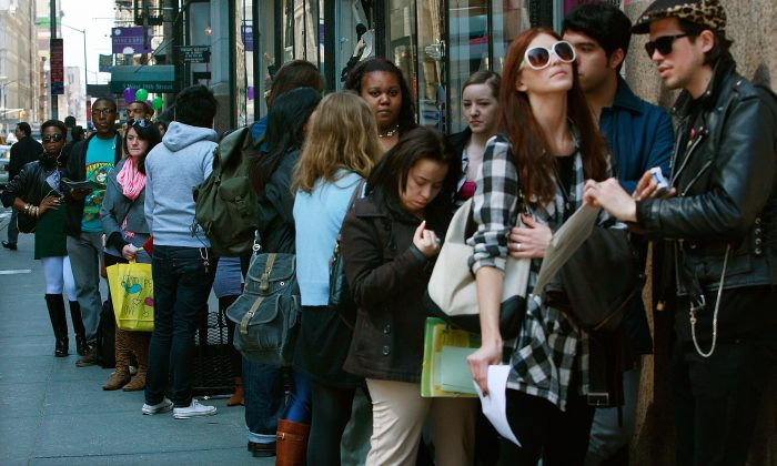 Job seekers line up to apply for positions at an American Apparel store in New York on April 2, 2009. During that time, unemployment claims reached a 26-year high. (Mario Tama/Getty Images)