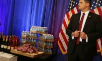 Mitt Romney Campaigns With John Kasich on Eve of Ohio Primary