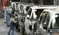 In Ohio, Clinton Opposes Obama Auto Parts Trade Standard