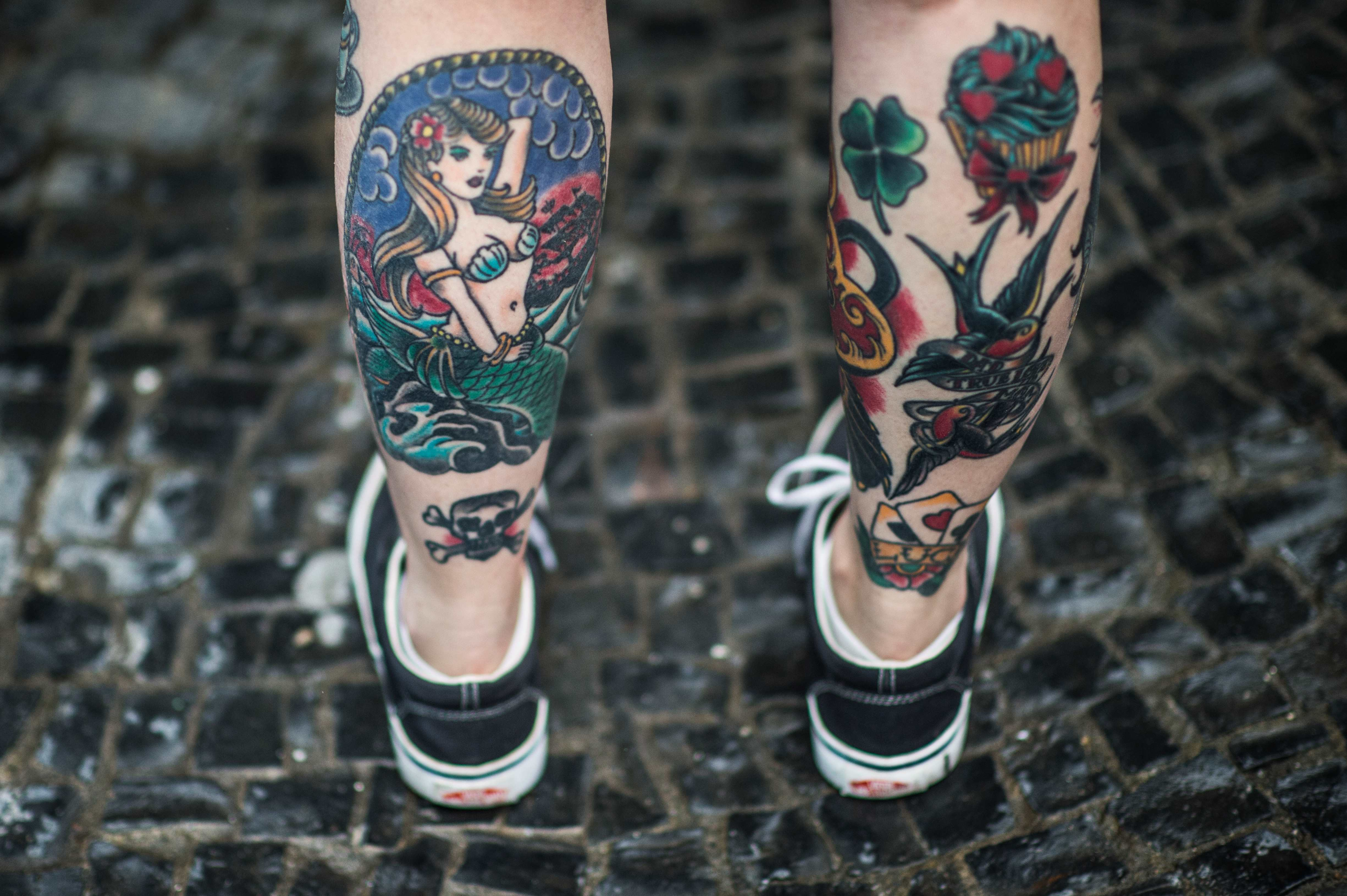 tattoos and the immune system People who have weak immune systems are at risk of adverse reaction on being  tattooed.