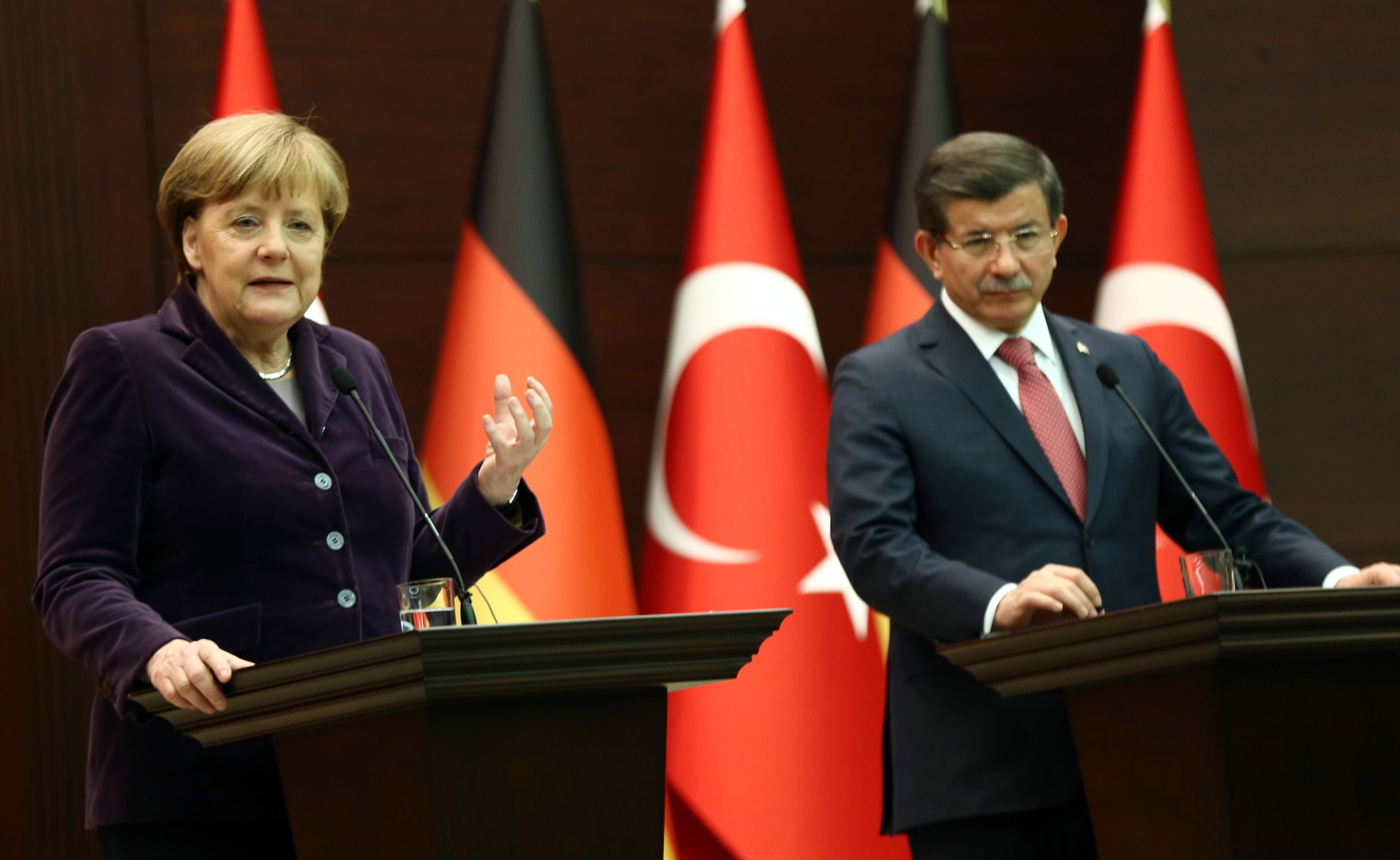 Merkel Approves Request to Prosecute German Comedian After Satirical Poem About Turkish President