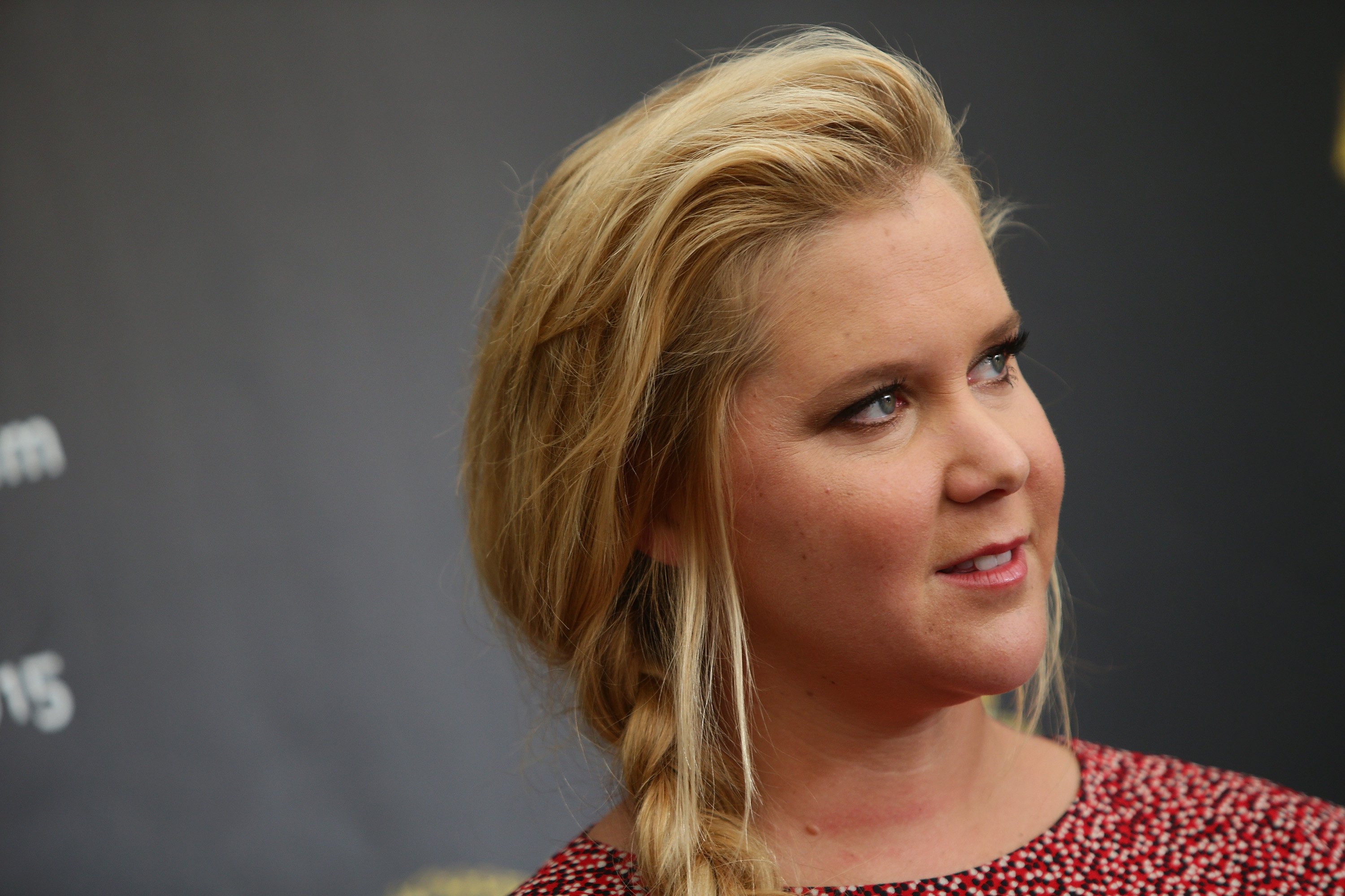 Glamour Magazine Refers to Amy Schumer as 'Plus-Size'; Schumer and Glamour Responds