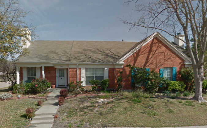 Lindsay Diaz's and Alan Cutter's house before, apparently before the tornado damage and demolition, in Rowlett, Texas. (Screenshot of Google Street View)
