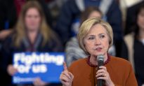 Clinton Stresses Democratic Credentials in Wisconsin