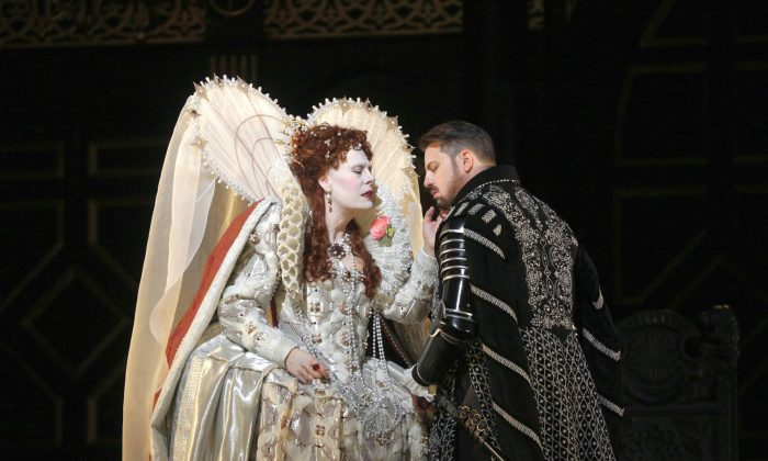 Sondra Radvanovsky as Elisabetta and Matthew Polenzani in the title role of Donizetti's Roberto Devereux. (Ken Howard/Metropolitan Opera)