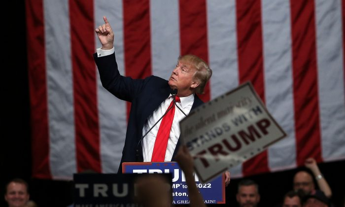 Donald Trump speaks to South Carolina voters on the eve of the state's primary  on February 19, 2016 in North Charleston, South Carolina. (Photo by Spencer Platt/Getty Images)
