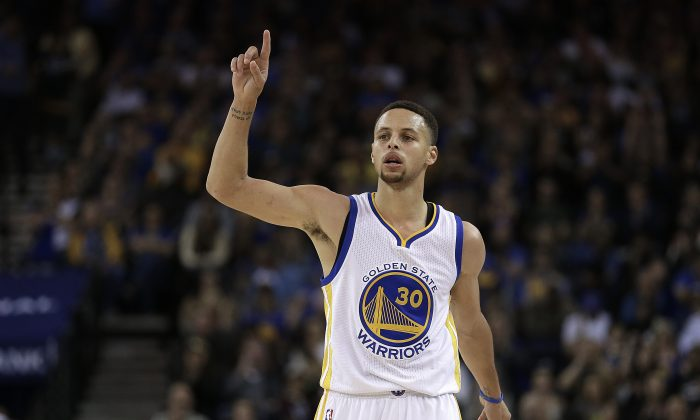 Golden State Warriors guard Stephen Curry is in line to win his second straight MVP award. (AP Photo/Ben Margot)