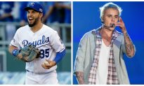 Justin Bieber Grabbed by the Throat by Rapper Post Malone, Who Is Touring With Him