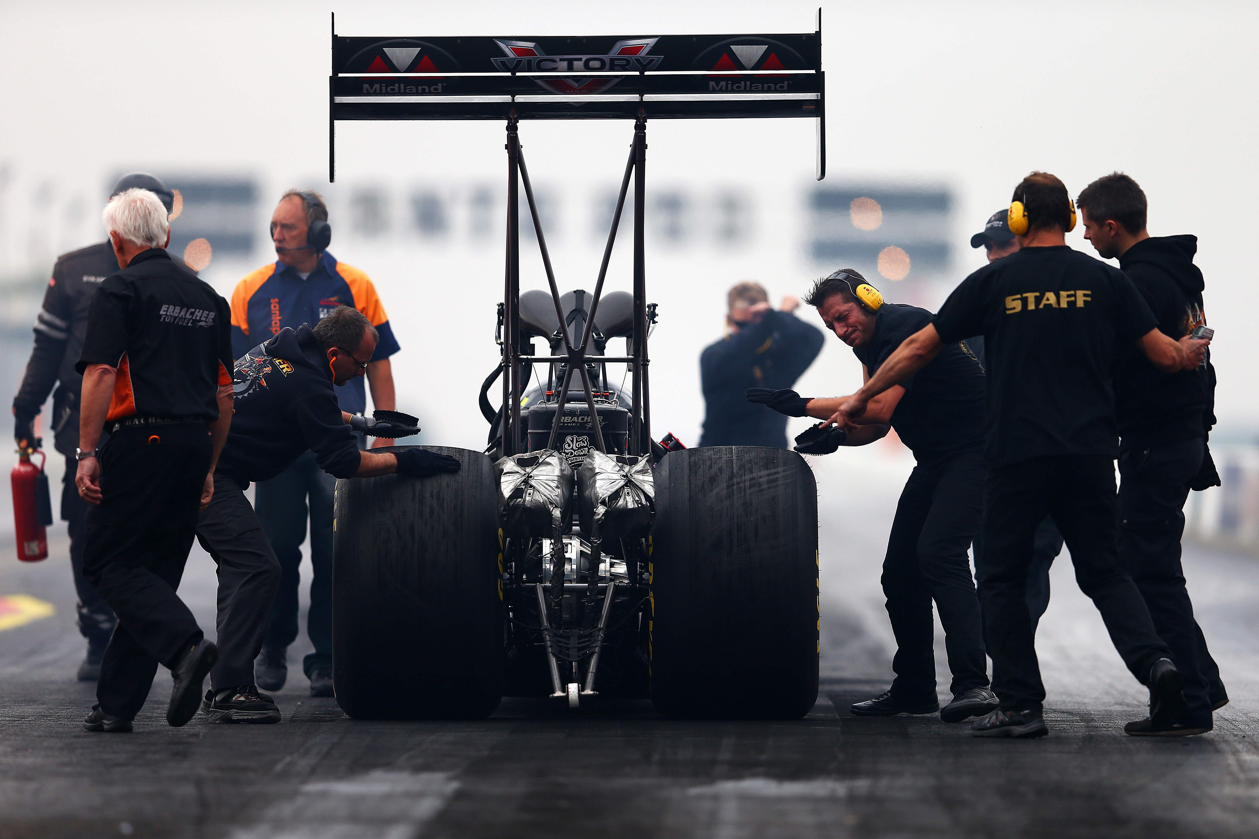 Ronnie Davis: Drag Racer Dies From Injuries Sustained in Crash, Race Track Says