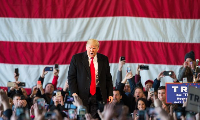 Republican presidential candidate Donald Trump speaks in front of a capacity crowd at a rally for his campaign on April 10, 2016 in Rochester, New York. The New York Democratic primary is scheduled for April 19th. (Photo by Brett Carlsen/Getty Images)