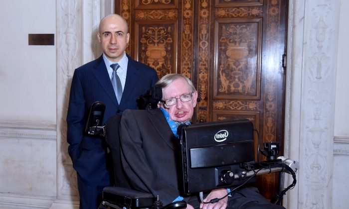 Billionaire Yuri Milner and Theoretical Physicist Stephen Hawking ahead of a press conference on the Breakthrough Life in the Universe Initiatives on July 20, 2015 in London, England.  (Stuart C. Wilson/Getty Images for Breakthrough Initiatives)