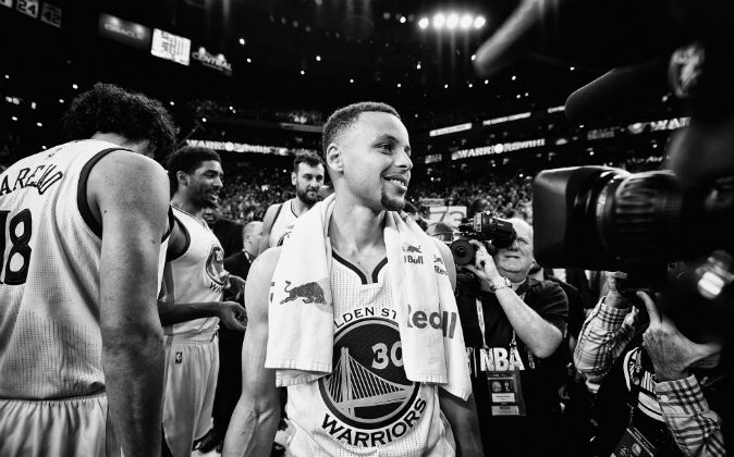 Stephen Curry #30 of the Golden State Warriors reacts after the Warriors defeated the Memphis Grizzlies 125-104 at ORACLE Arena on April 13, 2016 in Oakland, California.  The Warriors finish the 2015-16 NBA regular season with a 73-9 record. (Photo by Thearon W. Henderson/Getty Images)