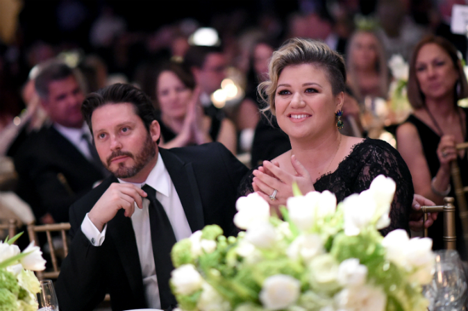 'Unbreakable Kimmy Schmidt' Star Ellie Kemper Reveals Pregnancy on Jimmy Fallon Show